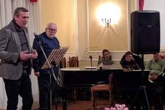 Carlo Monopoli canta Canzone a Vescègghie; suona Ippolito Ventura